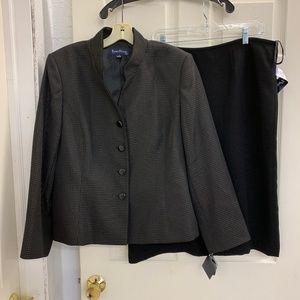 Women's - Evan-Picone Suit